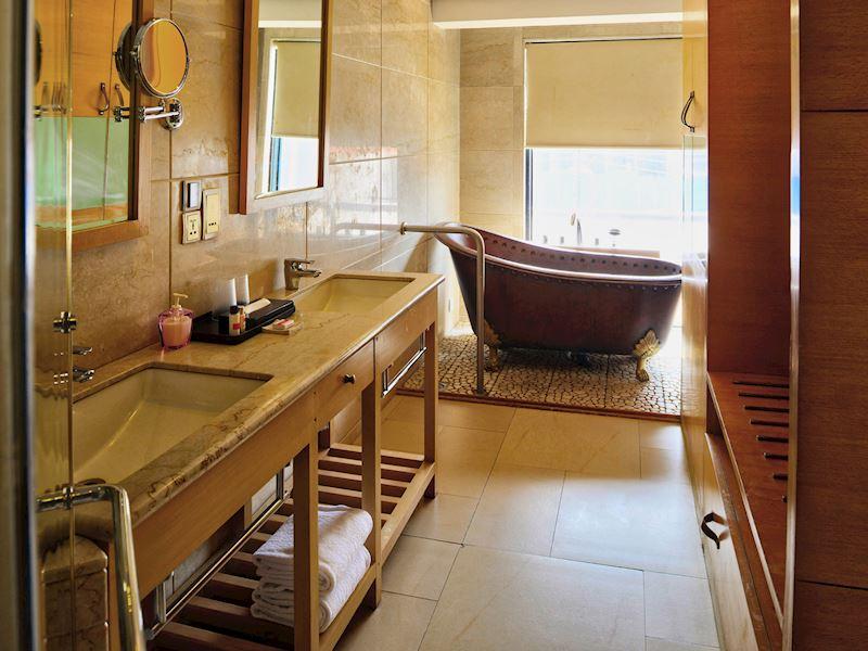 Bathtub of Ginger Goa