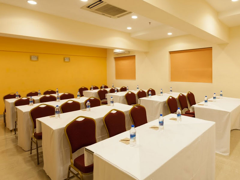 Business Room in Ginger Ahmedabad (Drive-In Road)