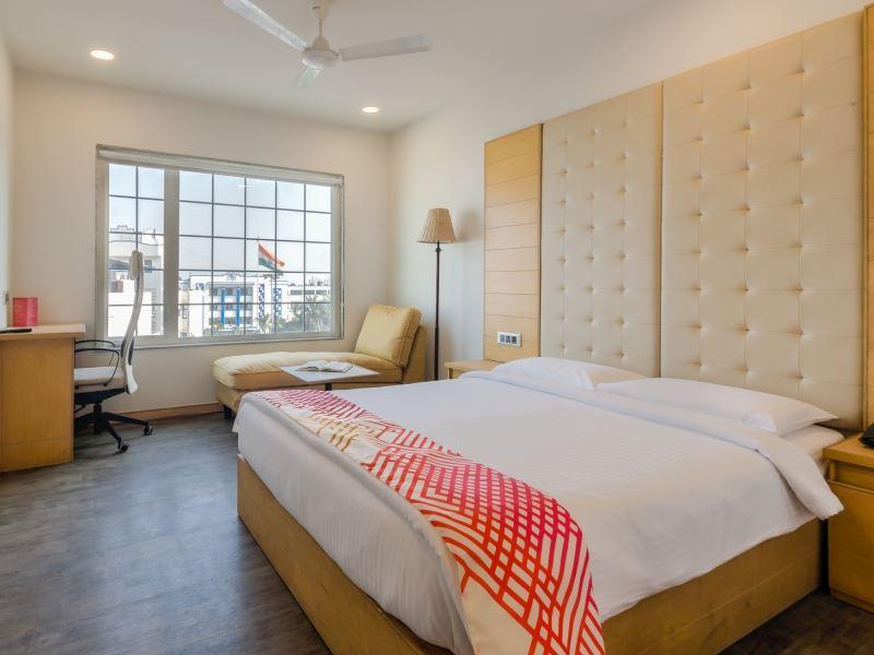 Superior Room at ginger hotels Surat City Center
