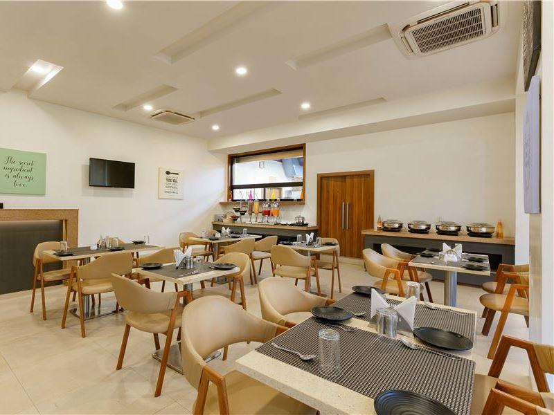 Dining at Ginger Hotel Aurangabad