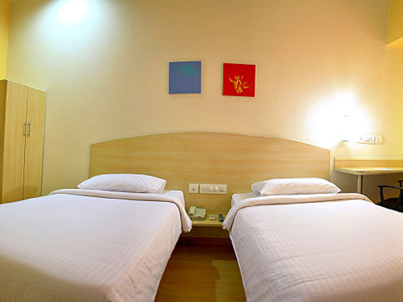 Twinroom at Ginger Agartala