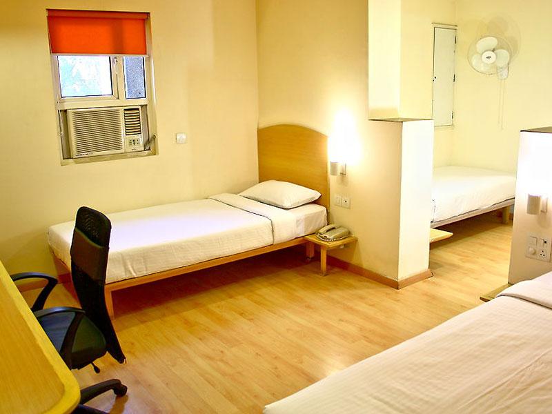 Twins Bed Room at Ginger Delhi RYN